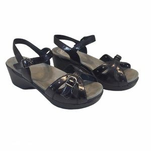 Dansko Sissy Black Crinkle Patent Leather Sandals